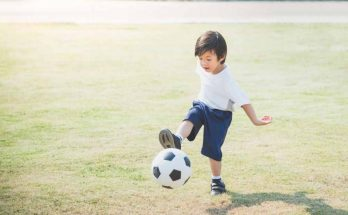 memperkenalkan olahraga untuk si kecil
